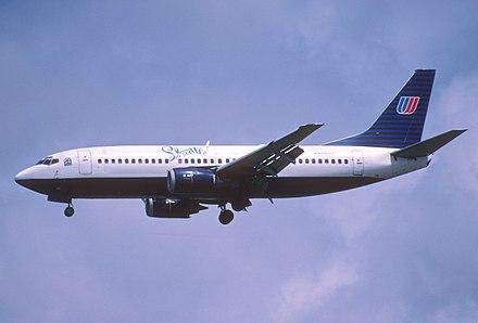440px-230ay_-_United_Airlines_Boeing_737-300__N385UA_LAX_25_04_2003__8354014374_.jpg